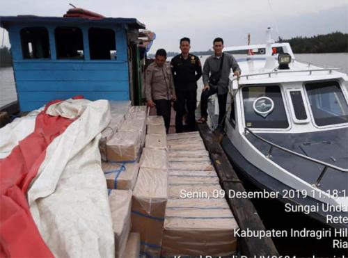Polres Inhil Bersama Bea Cukai Amankan Kapal Bermuatan Rokok Ilegal Bernilai Miliaran Rupiah di Pulau Kijang