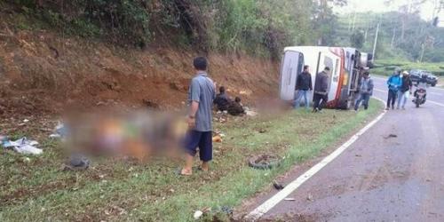 Korban Tewas Bus Terguling di Subang 27 Orang, 20 Dimakamkan dalam Satu Lubang