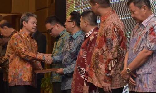 Lagi, Bank Riau Kepri Raih Penghargaan Pembayar Pajak Terbesar dari DJP Kanwil Riau dan Kepri