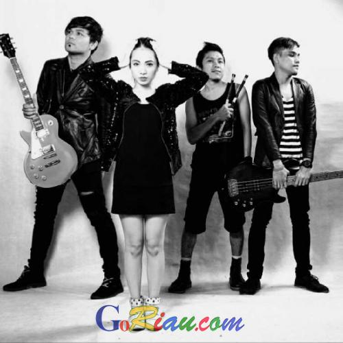Rambah Musik Nasional, Band Asal Pekanbaru Makachi Band, Resmi Luncurkan Single Perdana Sakiti Hati
