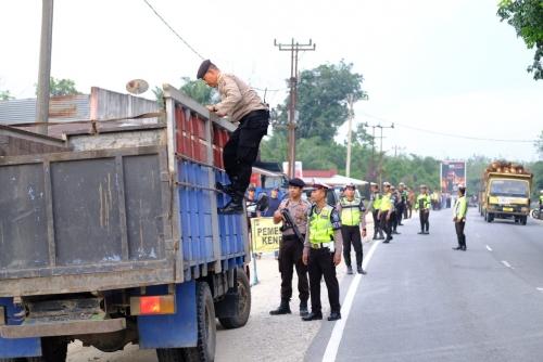 Antisipasi Napi Kabur Melalui Kota Pekanbaru, Polresta Pekanbaru Gelar Razia di Seluruh Jalur Masuk Kota Pekanbaru