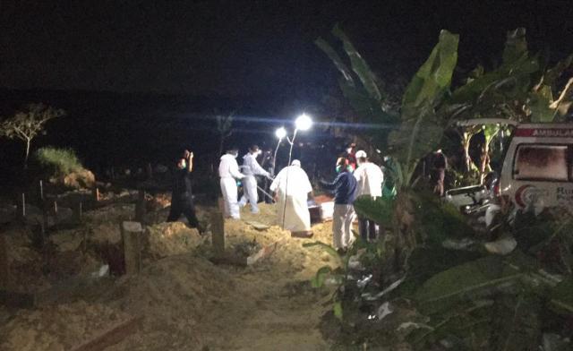 Ustaz Tengku Zulkarnain Dimakamkan di Pekanbaru Sesuai Wasiatnya