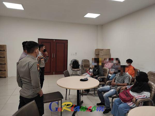 Anaknya Tertangkap Ngamar di Hotel Emerald Pekanbaru, Orangtua: Terimakasih Polisi, Biar Mereka Jera