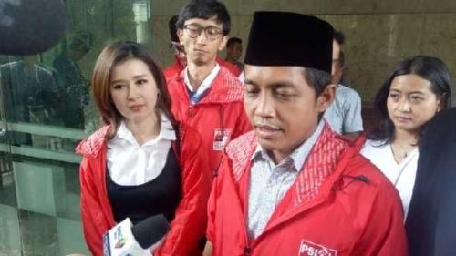 Raja Juli Antoni: Jokowi Itu Gentleman, Kalau Amien Rais Nantang Duel, Silahkan Maju di Pilpres 2019