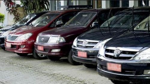 Nunggak Pajak, Ratusan Mobil Dinas Pemprov Riau Dikandangkan