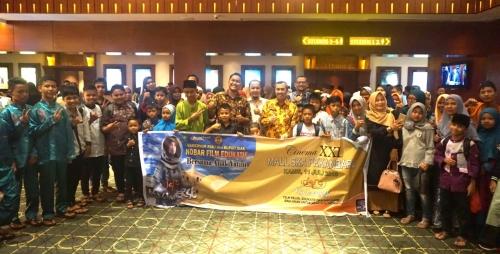 PT BSP Gelar Nonton Bareng Gubernur Riau dan Anak Yatim