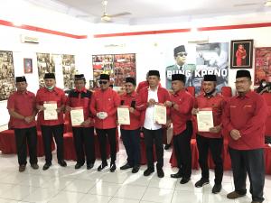 PDIP Resmi Dukung 6 Paslon Pilkada di Riau, Ada Nama Iyeth Bustami