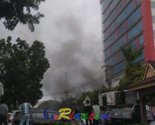 Gedung Telkom Pekanbaru Terbakar, Jaringan Telkomsel Hilang