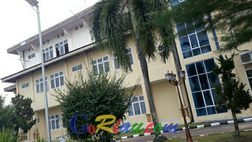Sekwan Akan Surati Dinas PU Terkait Kelanjutan Rehab Gedung DPRD Pelalawan yang Mangkrak