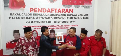 Pilkada 2020, Suhardiman Amby Daftar Sebagai Bakal Calon Bupati Kuansing ke PDIP