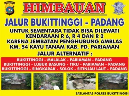 Putus di Lembah Anai, Jalan Padang - Bukittinggi tak Bisa Dilewati