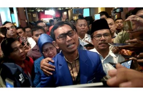 KPU Sumut Tetapkan 2 Paslon Bertarung di Pilgubsu, JR Saragih Menangis karena Tak Lolos