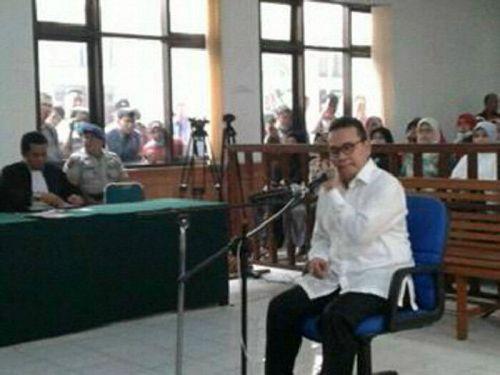 Divonis 14 Tahun, Mantan Gubri Rusli Zainal akan Mendekam di Penjara Hingga Umur 71 Tahun