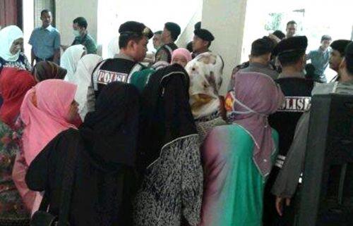 Lagu Kematian Iringi Sidang Vonis RZ di Pengadilan Negeri Pekanbaru