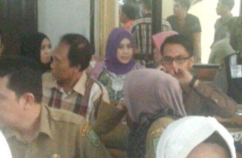 Istri Kedua Rusli Zainal Juga Hadiri Sidang Putusan di PN Pekanbaru