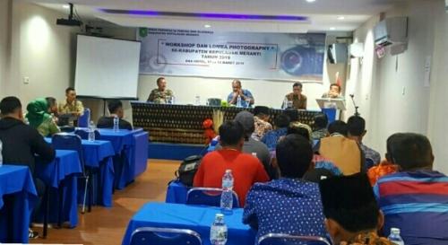 Tingkatkan Kualitas dan Kemampuan, Disparpora Meranti Gelar Workshop Fotografi