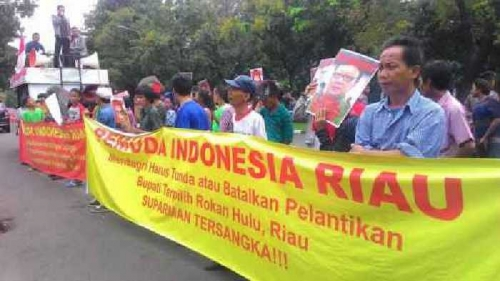 Ratusan Mahasiswa Riau Geruduk Kemendagri dan Minta Aparat yang Terlibat Korupsi Ditindak