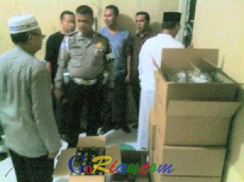 Pabrik Miras Oplosan di Pekanbaru Digerebek Polisi, 600 Botol Miras Berhasil Disita