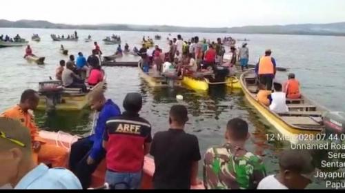 Pesawat Jatuh dan Tenggelam di Danau Sentani