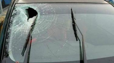 Kaca Depan Mobil Jenderal TNI AD Pecah Kena Lemparan Batu di Jalan Tol