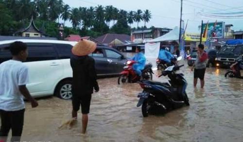 Padang Pariaman Diterjang Banjir dan Longsor, 1 Orang Tewas dan 2 Luka-luka