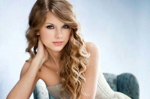 Penyanyi Cantik Ini Selebriti Terkaya di Dunia, Penghasilannya Rp2,2 Triliun Setahun