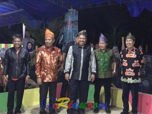 Buka Festival Gasing International II di Siak, Gubri: Ini Olahraga Rakyat yang Harus Dipertahankan