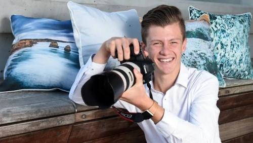 Berhenti Sekolah Usia 14 Tahun, Remaja Australia Berpenghasilan Miliaran Rupiah
