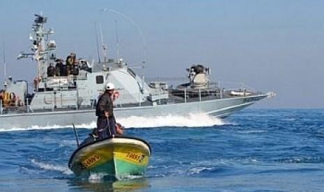 Puluhan Kapal Nelayan Palestina Lawan Blokade Israel