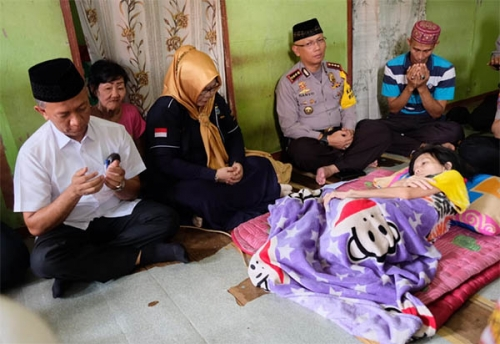 Rektor UIR Bersama Kapolresta Kunjungi Susan Dewi di Jumat Barokah