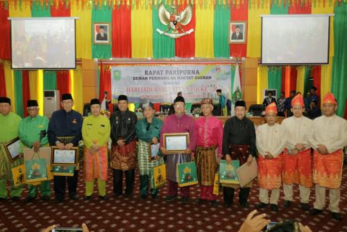 Istimewa, Dua Mantan Bupati Siak Hadiri Paripurna Hari Jadi Kabupaten Siak ke-20