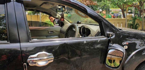 Selingkuh dengan Guru PNS, Pejabat Dicegat di Tengah Jalan, Kena Jotos dan Mobilnya Dirusak