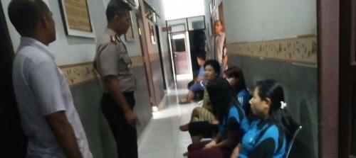 Prostitusi Berkedok Pijat Refleksi Digerebek Polisi, PNS Kepergok Lagi Tak Berpakaian