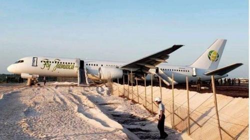 Nyaris Seperti Lion Air JT 610, Fly Jamaica Mendarat Darurat Berbahaya, Begini Nasib 120 Penumpang dan 8 Awaknya