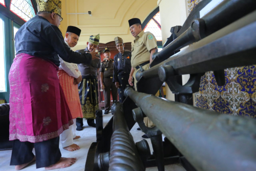 Berkunjung ke Kabupaten Siak, Jampidsus Kejagung RI Kagum dengan Istana Matahari Timur