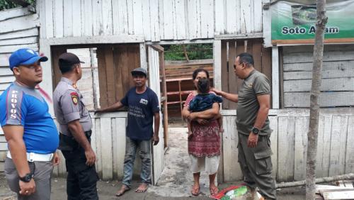Satpol PP Kuansing Bongkar Kompleks Pelacuran di Batas Riau - Sumbar