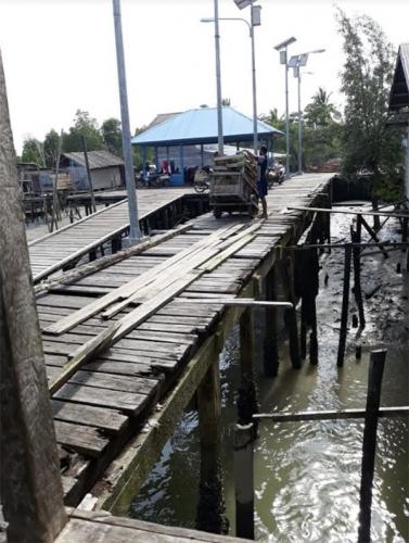 Rusak Parah, Pelabuhan Baran Melintang Pulau Merbau Butuh Perbaikan