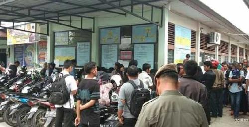 Warga Nilai Pelayanan Disdukcapil Kampar Terburuk di Indonesia