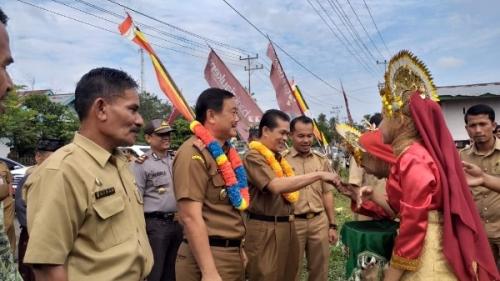 Kepada Wabup Kuansing, Masyarakat Pangean Minta Pengaspalan Jalan Sepanjang 9 Km