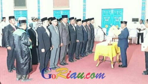 Bupati Pelalawan Lantik 7 Pejabat Eselon II dan 11 Pejabat Administrator, Pengawas dan Kepala Sekolah