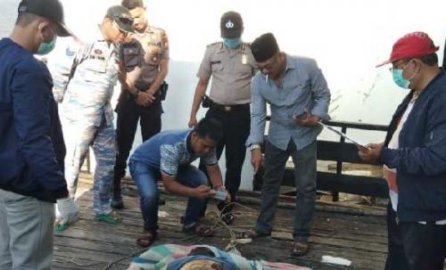 Nelayan Panipahan Temukan Mayat Tanpa Identitas di Laut