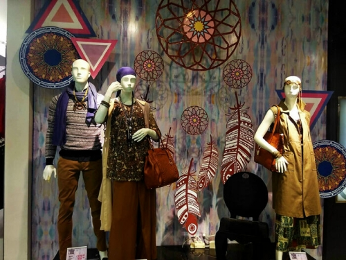 Matahari Mancy Duri Berikan Tips Tampil Stylish ala Hippies