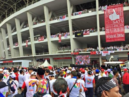 Massa Kampanye Jokowi-Maruf Tak Tertampung SUGBK
