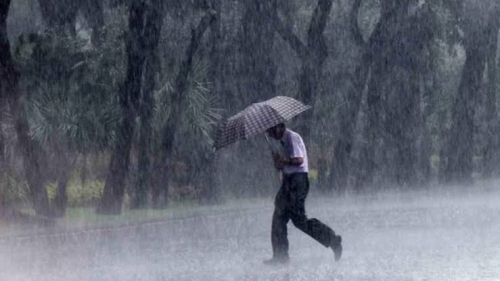 BMKG: Waspada Hujan Lebat Disertai Petir dan Angin Kencang Malam Hari Nanti