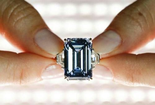 Ini Penampakan Berlian Biru Terbesar dan Termahal di Dunia, Harganya Rp500 Miliar