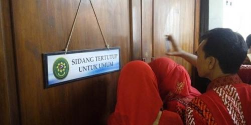 ABG Pembunuh Eno Merengek Minta Dibebaskan: Pak Hakim, Saya Tak Bersalah, Bebaskan Saya, Kasihan Ibu Saya...