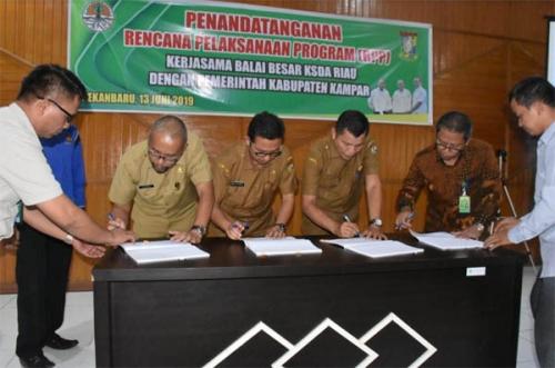 Pemkab Kampar Tandatangani MoU dengan BBKSDA Riau Sebagai Tindak Lanjut Pengembangan Wisata Alam