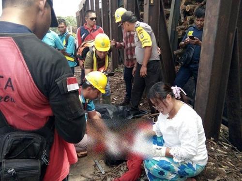 Cari Ikan Diantara Dua Tongkang, Nelayan di Inhil Tewas Setelah Kapal Pecah Dihantam Benturan