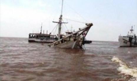 Kapal Tanker Berbendera Indonesia Tabrakan di Singapura, 2 Jenazah Ditemukan