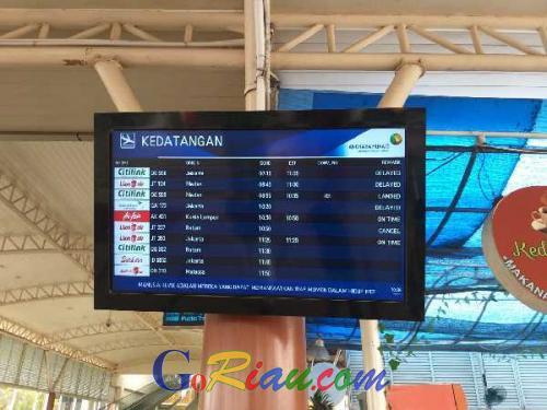 Jarak Pandang Hanya 300 Meter, Sejumlah Penerbangan di Bandara SSK II Pekanbaru Mengalami Penundaan Bahkan Dibatalkan